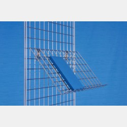 INCLINED CHROME WIRE SHELF FOR GRIDWALLS