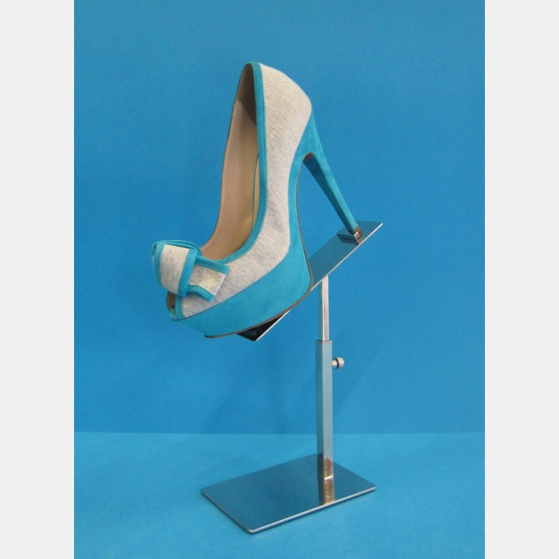 SHOE DISPLAY IN POLISHED STEEL