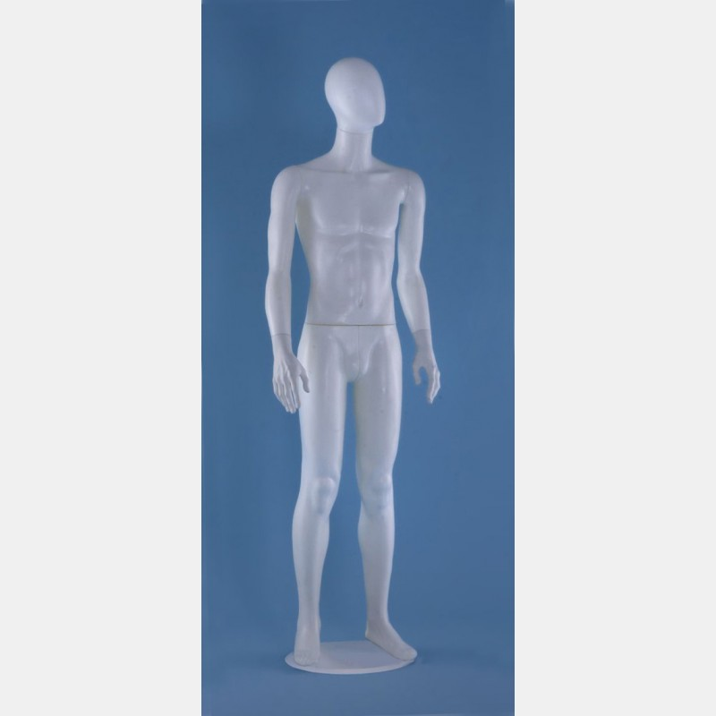 FACELESS MALE WHITE MANNEQUIN