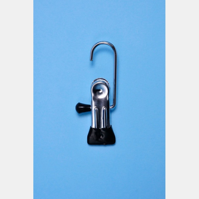 BLACK CLIP WITH SMALL HOOK 9CM