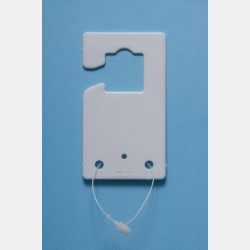 WHITE PLASTIC PLATE WITH HOOK HOLES (100 pcs)