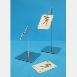 CARD HOLDER WITH INCLINED ARM AND SQUARE BASE